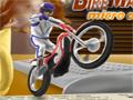 Bike Mania agora na versão 4 em um novo cenário, Salte sobre os objetos que estão em seu caminho e termine todo o percurso no determinado tempo.