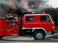 Firefighters Truck 2 - Pilote o carro de bombeiro conduzindo até a ocorrência. Sua missão é apagar o fogo com muita agilidade, acelere o veículo tendo o cuidado para não colidir ou atropelar os predestes pela rua.
