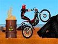 Hot Bikes 2 - Ande com sua bike por diversas cidades do mundo. Faça manobras radicais supere todos obstáculos em cada teste, faturando muito dinheiro por onde passar.