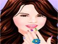 Selena Gomez Manicure - Selena Gomez tem um encontro romântico hoje e foi ao salão fazer as unhas. Crie um desiner exclusivo só para ela, escolha uma bela cor e decore com uns dos itens disponíveis.