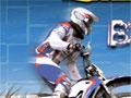 Jogo Thrill Bike, Acelere fundo com sua moto e passe por todos os obstáculos que estiver no seu caminho, tome muito cuidado ao pilotar sua moto, pois qualquer descuido você pode capotar e ter que começar o game novamente, complete a pista no menor tempo possivel.